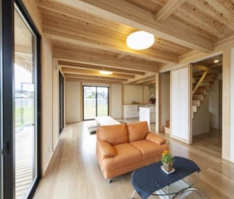 ☆あたたかみのある自然の良さが詰まった「みんなの家」。カフェ風LDKの家づくり