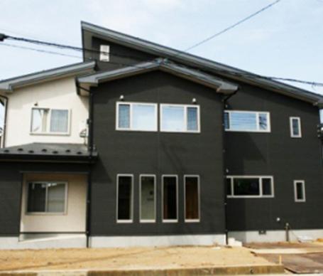 ☆1階が親世帯、2階が3人のお子さんと暮らす子世帯の二世帯住宅をご紹介!